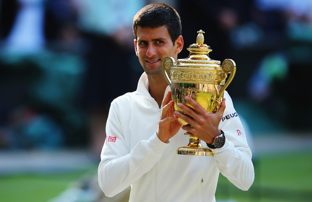showbiz-novak-djokovic-wimbledon-trophy-final-2014